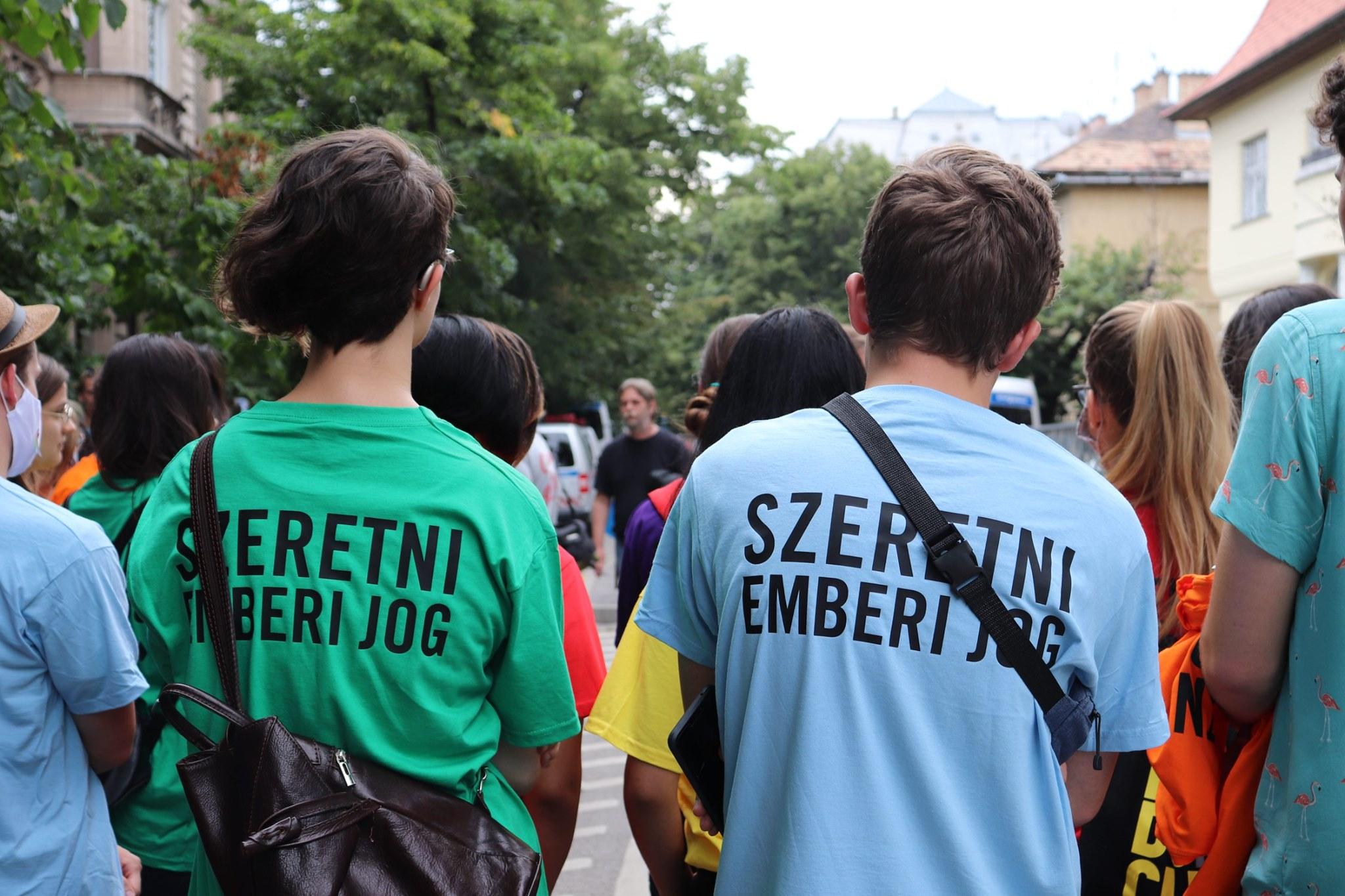 Photo of Békésen zajlott a budapesti tüntetés a letartóztatott lengyel aktivisták mellett