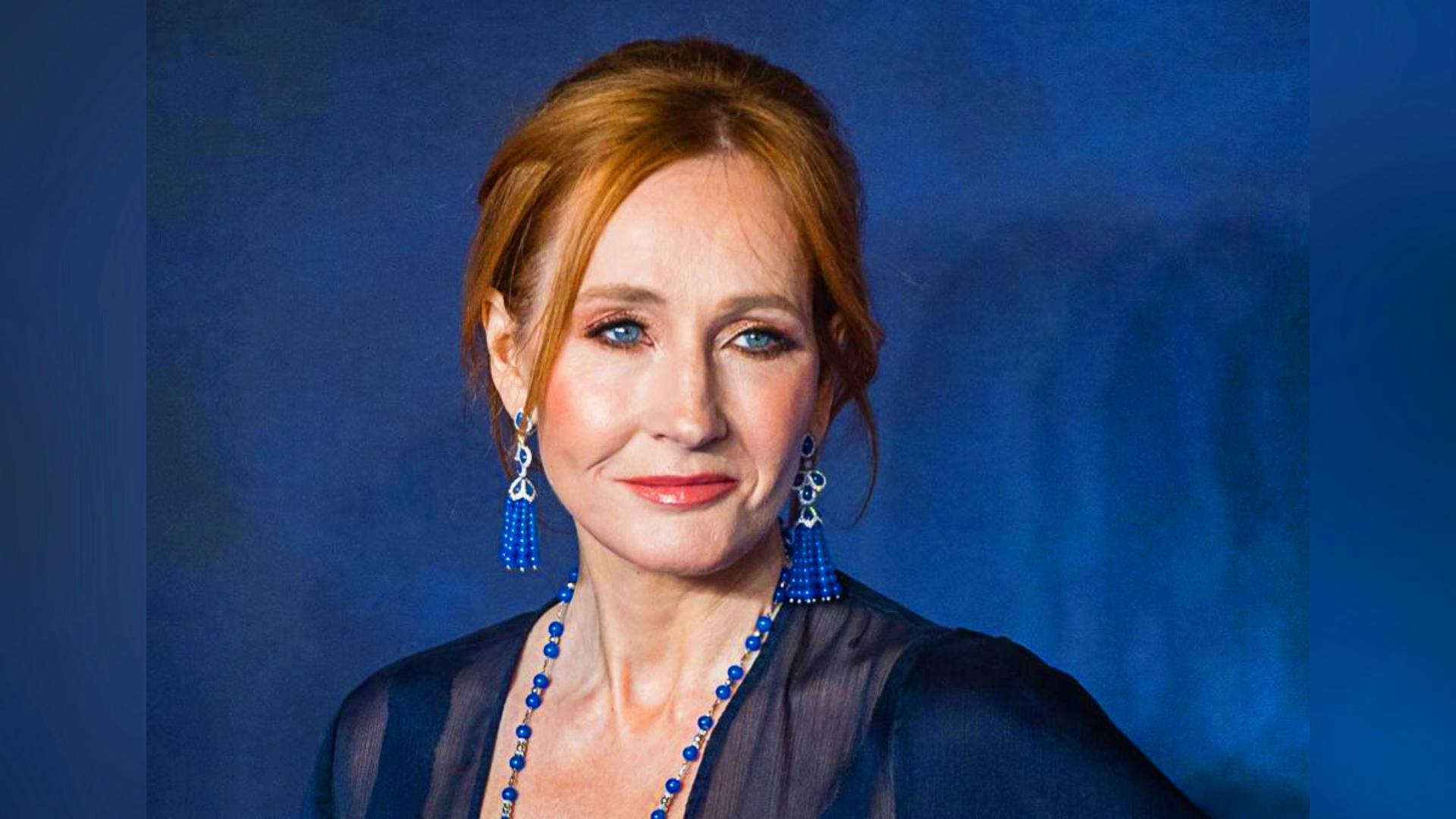 Photo of JK Rowling születésnapján tömegek adakoztak a nevében a transz szervezetnek