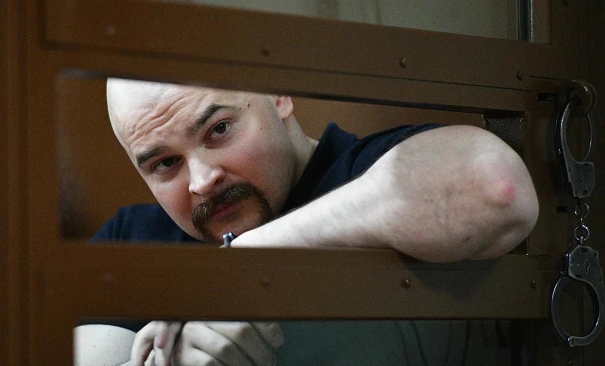 Photo of Öngyilkos lett a börtönben a meleg tiniket megkínzó orosz neonáci