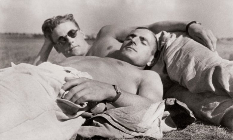 Photo of Egy évszázadnyi tiltott férfiszerelem fotói
